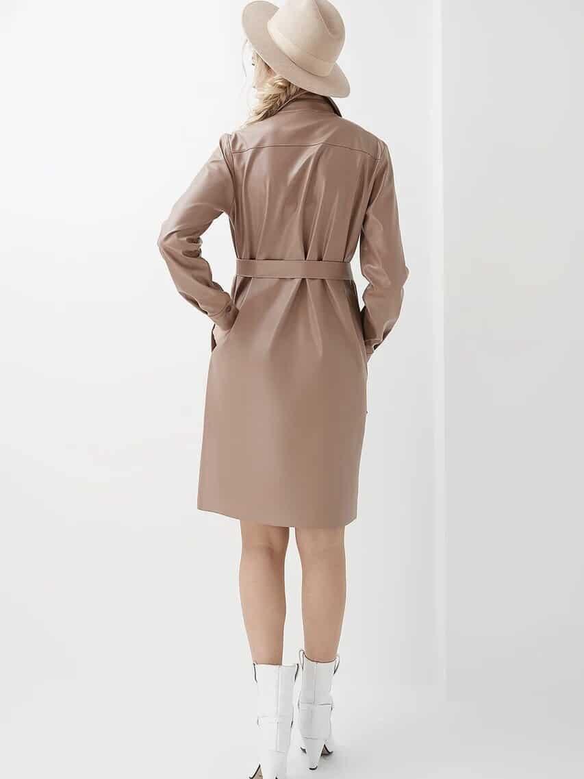 Бежевое платье-рубашка из эко-кожи для будущих и кормящих мам Melinda
