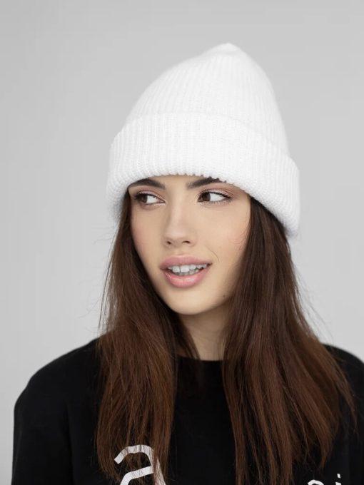 Молочная шерстяная шапка Alaska