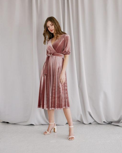 Пудровое бархатное платье для будущих и кормящих мам Diamond