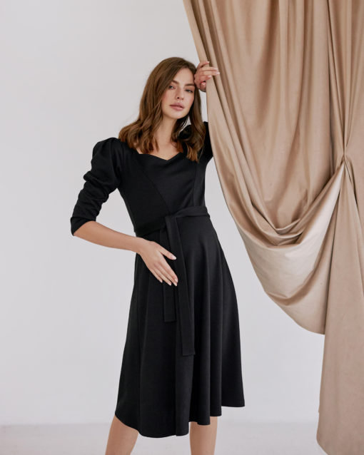 Черное платье для будущих и кормящих мам Heart