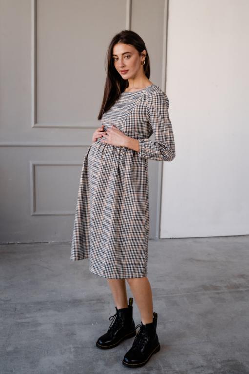 Бежевое платье в клетку для беременных и кормящих Gladis